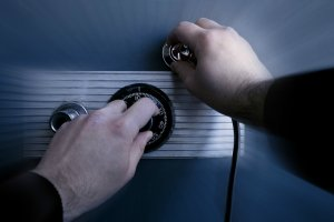 Safe cracking - Right on Time Locksmith