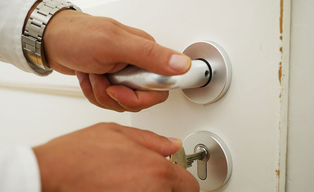 17 Top Signs You Need New Locks Installed